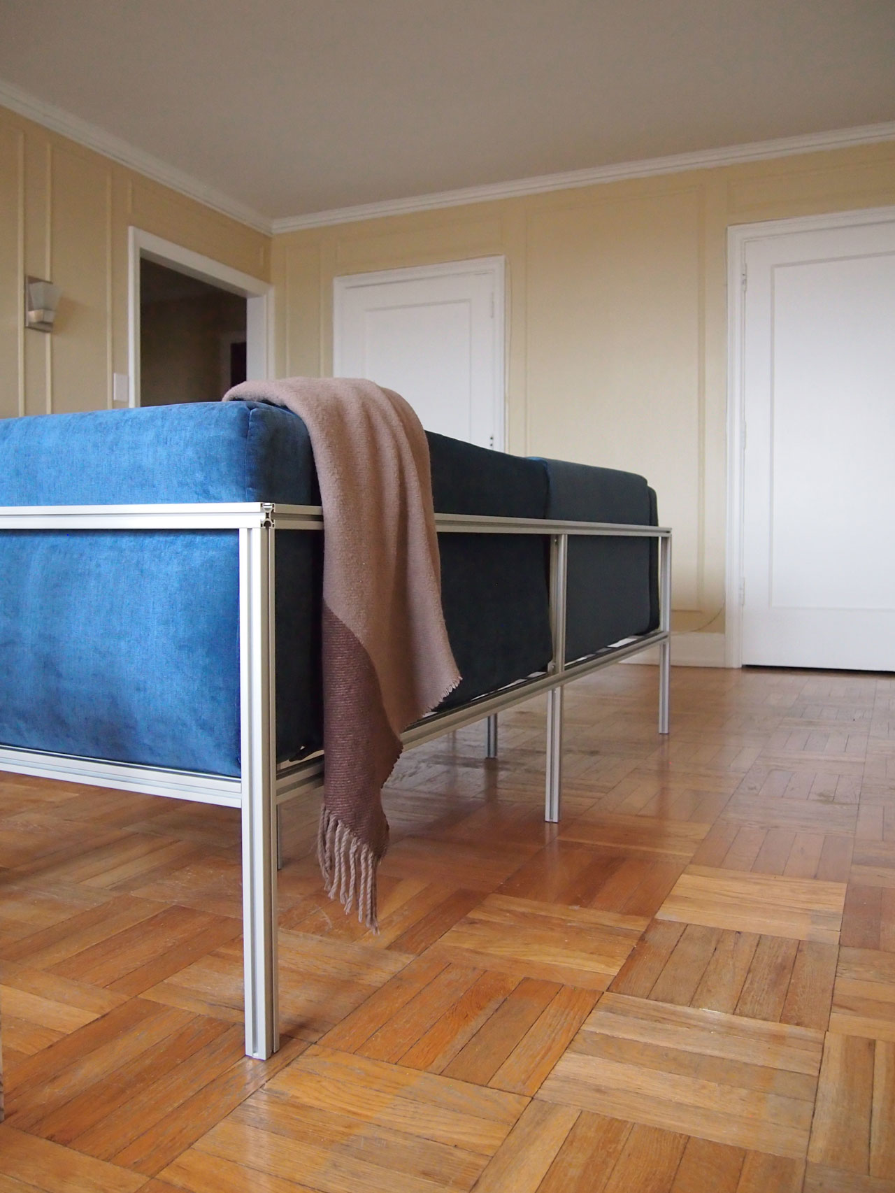 DIY velvet sofa couch designed by Aandersson
