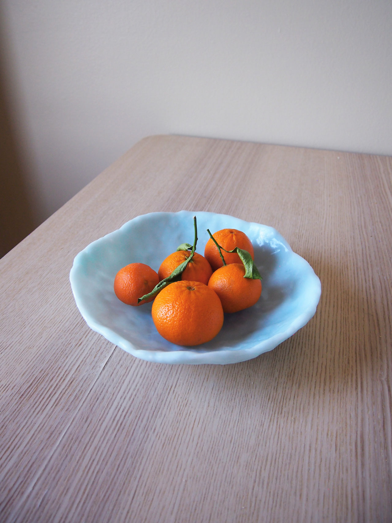 DIY translucent fruit bowl designed by Aandersson