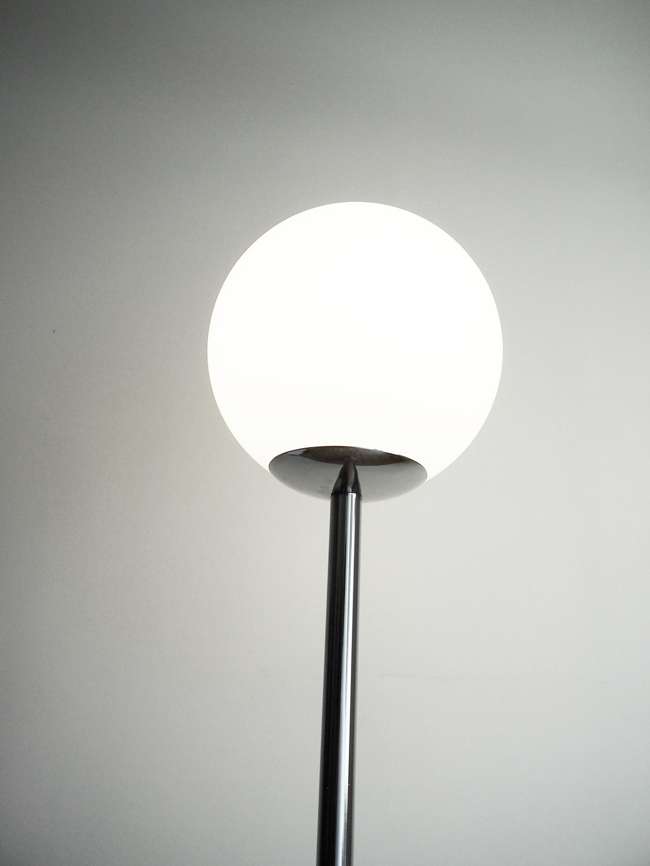 DIY floor lamp designed by Aandersson