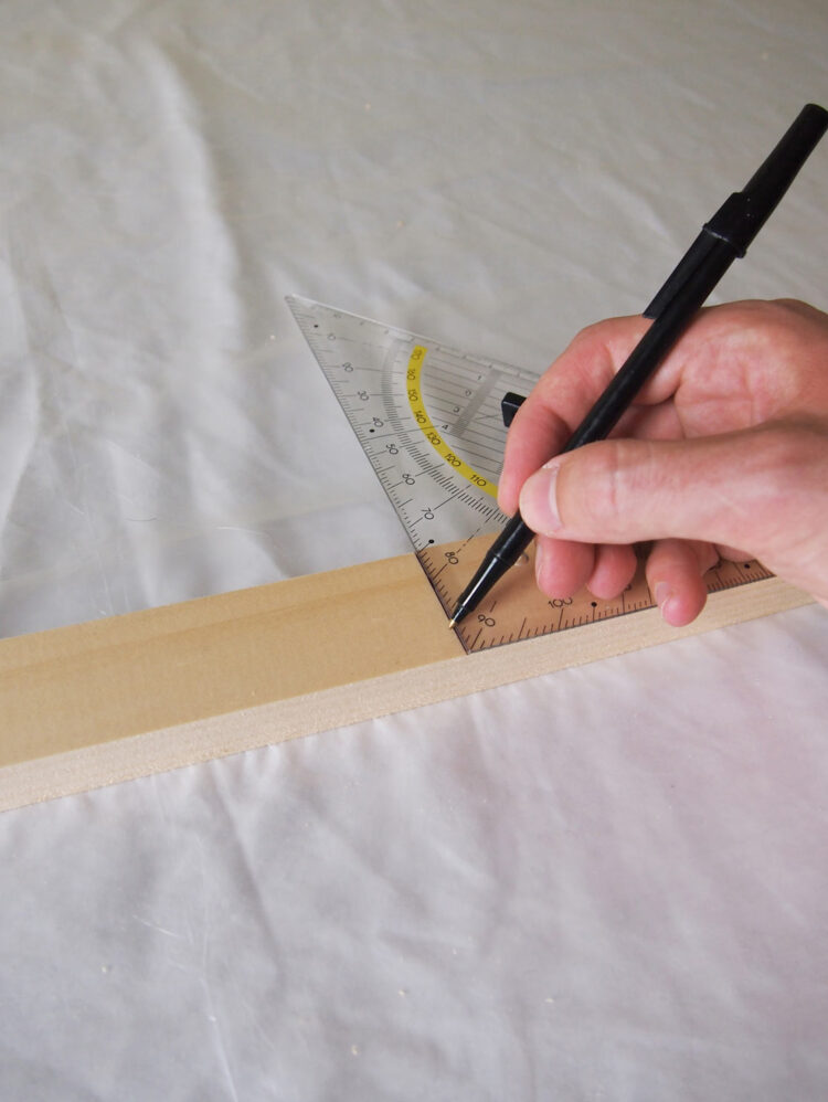 1     Using a square tool and tape measure, measure and mark these lengths of (20.5mm x 44mm) wood: 2 pieces 24in (61cm) long, 4 pieces 17.5in (44cm) long.