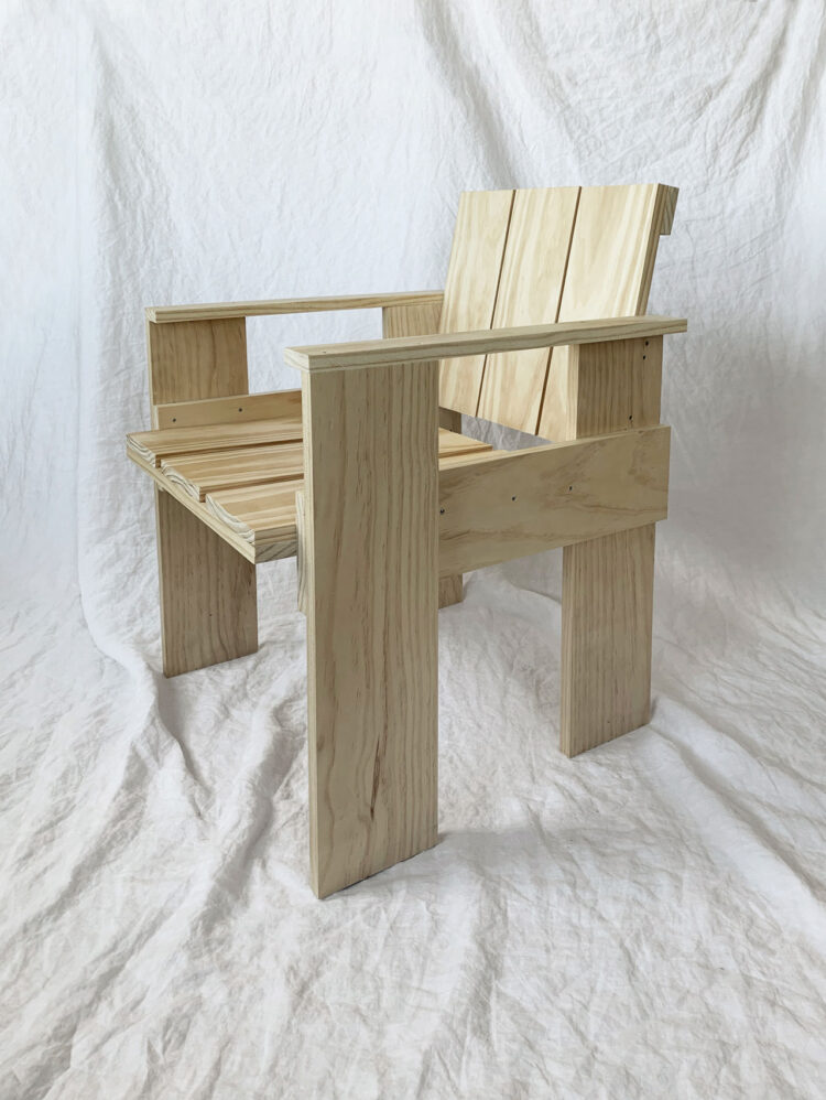 Crate Chair DIY by Gerrit Rietveld